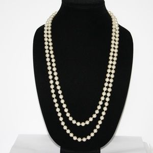 """Beautiful vintage 60"""" pearl necklace"""